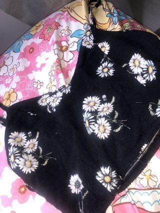 🚚 H&M floral tie back top