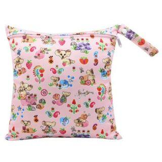 【YYB 72】L Size (30*28cm) Wetbag / Baby Diaper Wet Bag / Childcare Bag / Travel Bag