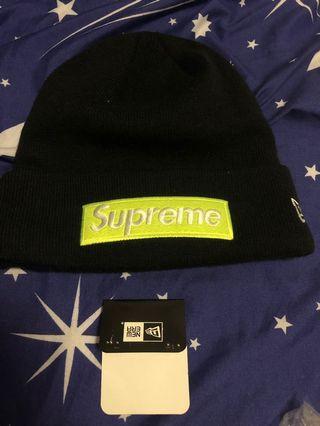 Supreme new era box logo beanie