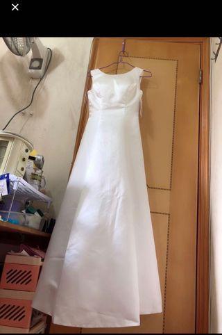 簡單婚紗 簡約修身顯瘦 純白緞面齊地輕婚紗 旅拍韓版復古簡約蝴蝶結小禮服 晚裝