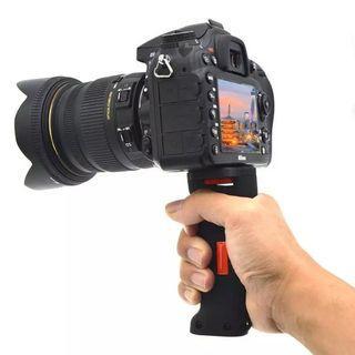 1Pcs Wide Platform holder Grip Camera Handle with 1/4 Screw For SLR DSLR Digital Camera Smartphone Camera Accessories