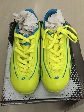 🚚 Brand New Kids Lotto Sports Shoe