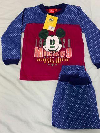 Disney Pajamas set <Mickey>