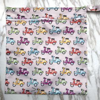 【YYB 85】L Size (30*28cm) Wetbag / Baby Diaper Wet Bag / Childcare Bag / Travel Bag