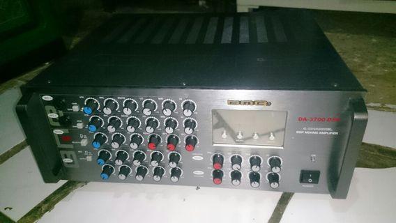 Amplifier 600 Watts