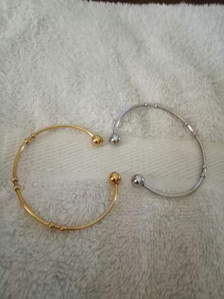 high quality bracelet @ 500 each