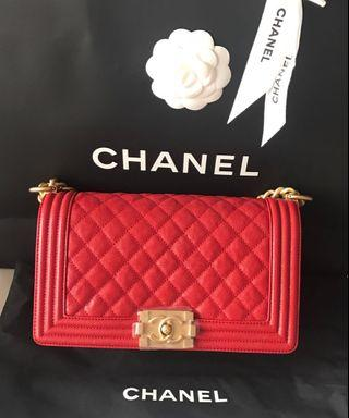 🚚 💟💟 SPECIAL DEAL - BNIB Chanel Red Old Medium Boy in caviar with receipt 💟💟