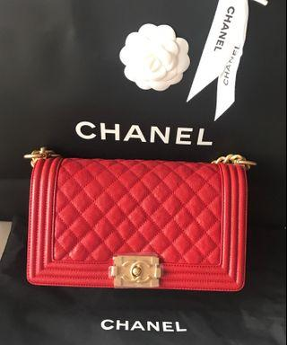 🚚 ✨✨SPECIAL DEAL - BNIB Chanel Red Old Medium boy with receipt ✨✨