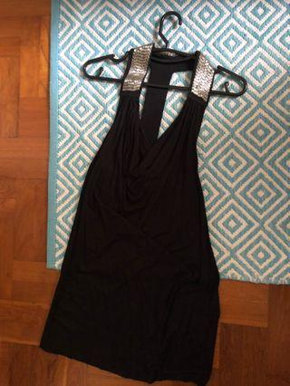 🚚 Black Dress