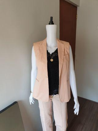 Sleeveless Blazer in blush pink