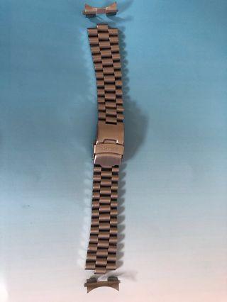 22mm seiko bracelet watch