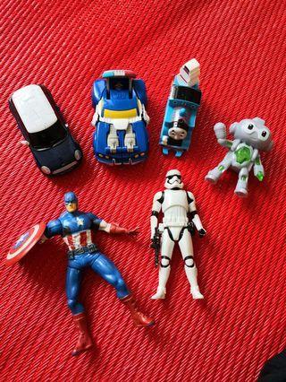 🚚 Giving away! Random Toys--Stormtroopers, captain America etc