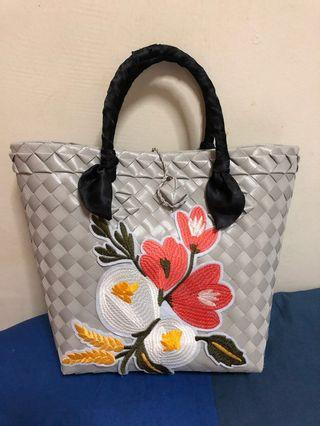 🚚 Plastic Straw hand bag (hand painted and some are patch)