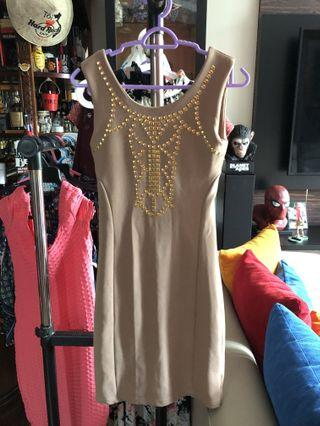 Nude bodycon dress with gold details
