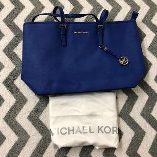🚚 Michael Kors Jet Set Large Tote Bag
