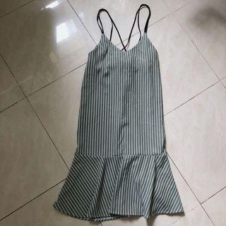 直紋吊帶裙