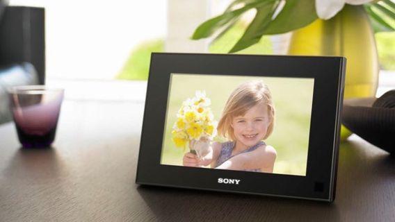 🚚 Sony Digital Photo Frame V900