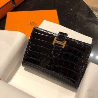Hermes Bearn Compact Crocodile Wallet (深藍色近乎黑金扣)