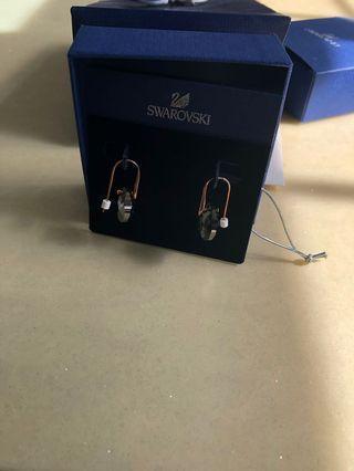 🚚 Swaroski earrings
