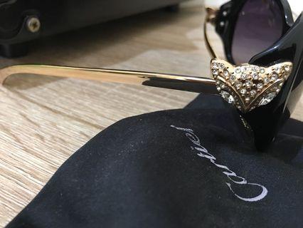 Sunglasses , kacamata hitam