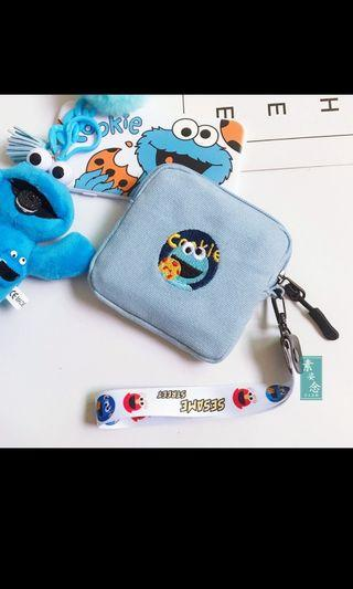 🚚 Sesame street pouch elmo cookie monster