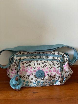 🚚 Kipling Bag