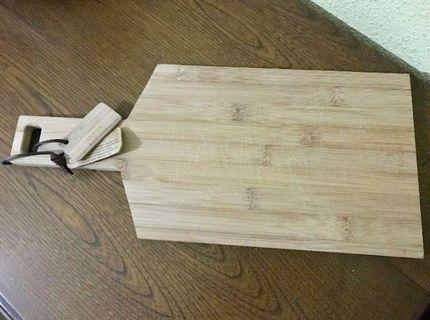 Small bamboo paddle / bread board #homerefresh30