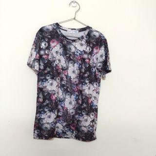 🚚 復古深色繁花上衣T-Shirt