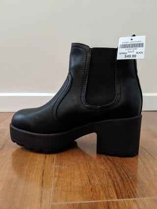 bnwt platform boots