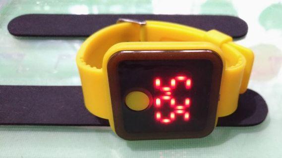 🚚 手錶3顆  (遇上爛客不賣了)