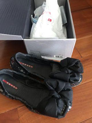 Prada 女裝黑色閃片平底鞋