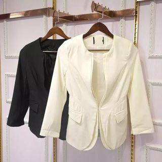 🚚 韓版小西裝外套 無領 米白色 顯瘦 西裝料