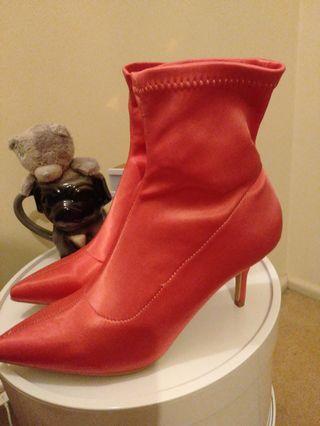 Spur size 8 boots