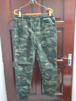 [RM30 includes postage] Camouflage Pants