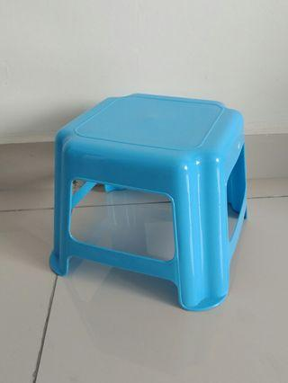 [Moving Out] plastic stool #RayaHome