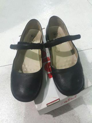 preloved gibi school shoes