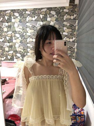 Sweet and cute big ribbon pastel yellow top 🎀 ✨