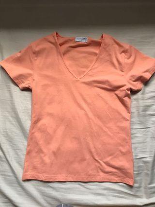 🚚 GIORDANO Pale Pink V-Neck T-shirt