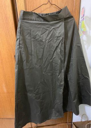 GU A字 中腰 軍綠 長裙 日本購入