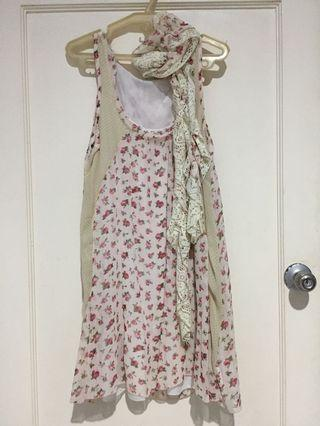 Flowery chiffon dress with shawl