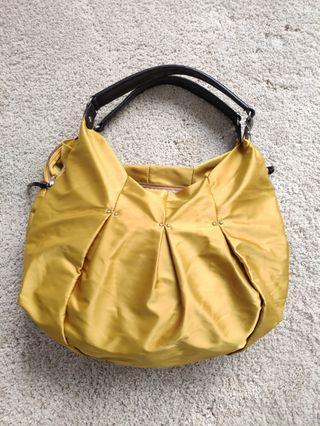 Y'ssacs Bag