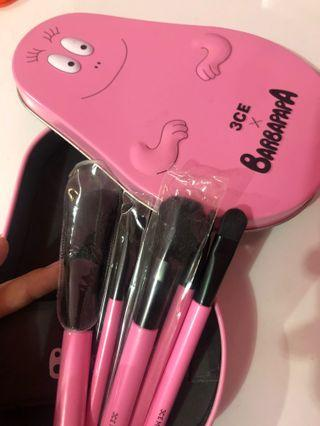 3CE x Barbapapa Brush