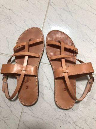 🚚 Genuine leather hand made, bought in Greece. Worn once