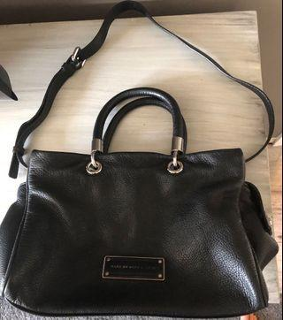 Selling lots of brand name clothes, shoes & accessories (Aritzia, Marc Jacobs, revolve, etc)