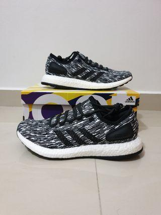 STEAL. BNIB NEW Authentic Adidas PureBoost Oreo US9.5 / UK9
