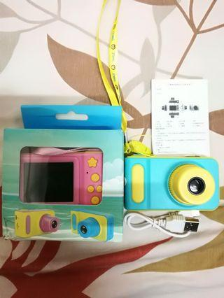 """Kids Camera 8MP HD Camera Camcorder 2.0"""" LCD, Supports Up to 32g SD Card"""