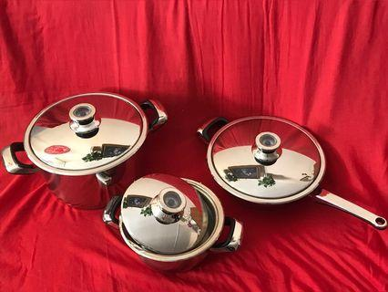 Brand new cooking ware