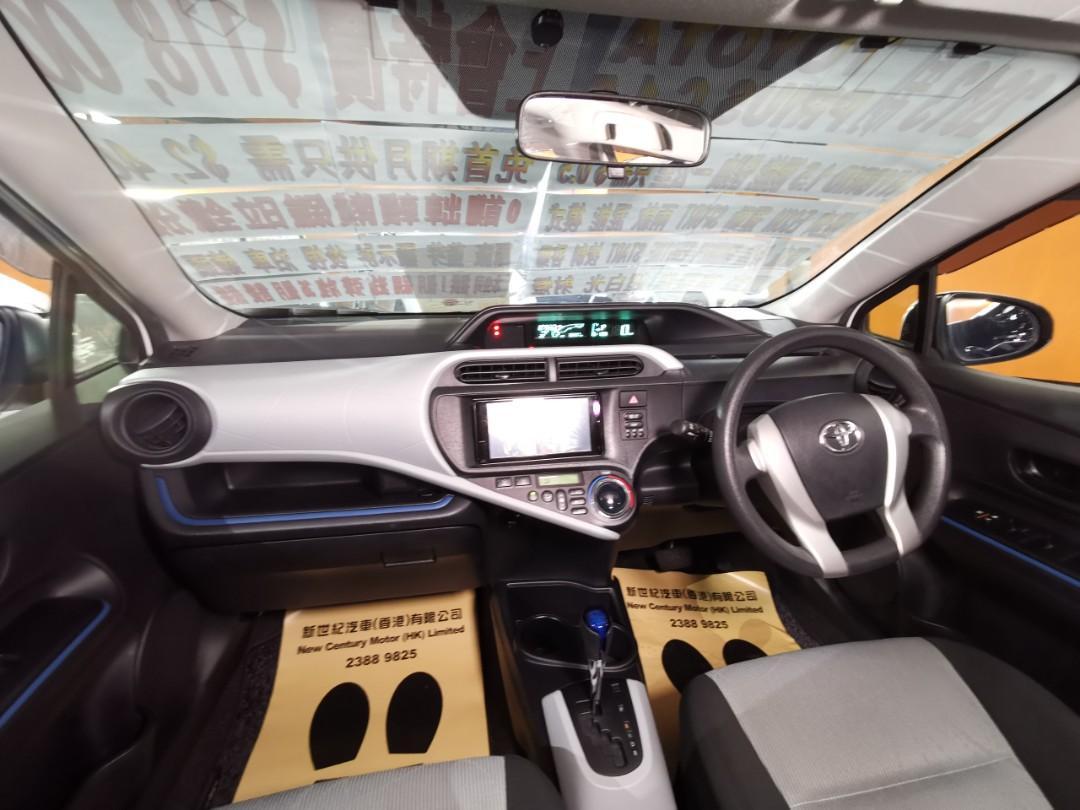 2013制 Toyota AQUA/ Prius C