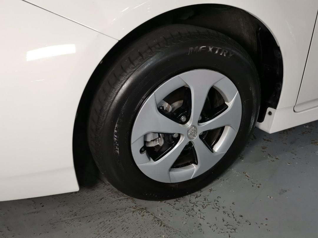 2013制 Toyota Prius S