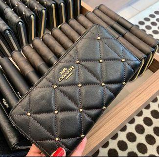 Coach Accordian Zip Wallet with Quilting Black/Light Gold
